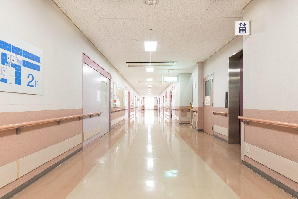 廊下|老人保健施設銀楊